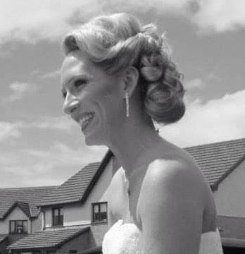 Professionelle Brautfrisuren Vintage Look Haarwelle fließend eingeschlagen + Dutt